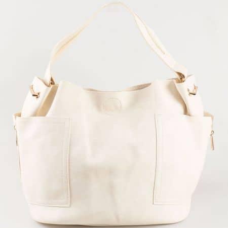 Бежова дамска чанта със странични джобове s1197bj