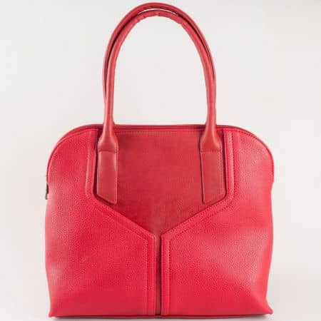 Дамска чанта за всеки ден с атрактивна визия на български производител в червено s1190chv