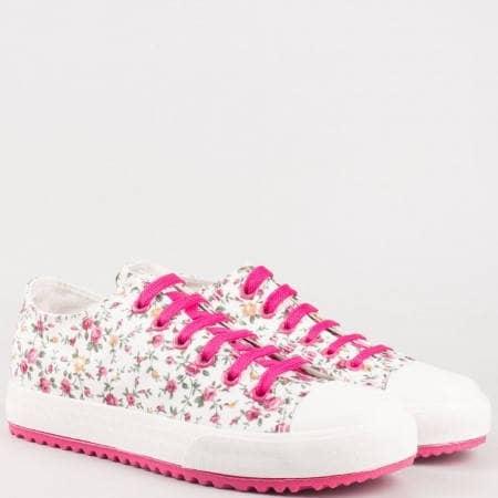 Дамски спортни кецове на удобно ходило украсени с цветя в ефектна цветова комбинация v61248-40b