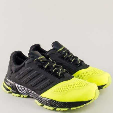 Мъжки маратонки в цветова комбинация от черно и жълто с връзки v71270-45zch