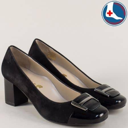 Дамски обувки от естествен лак и велур на среден ток в черен цвят z1502tvch