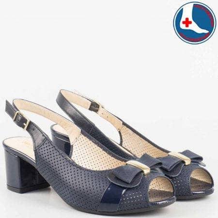Анатомични дамски сандали- Naturelle на среден ток от естествена кожа и лак с перфорация в син цвят z1607s