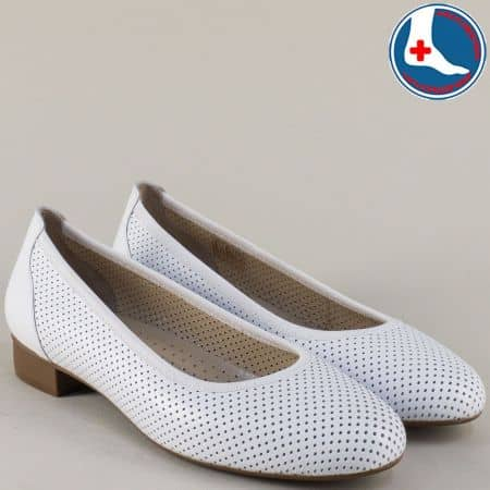 Бели дамски обувки с кожена ортопедична стелка- Naturelle z173803b