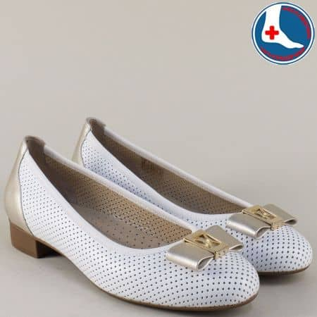 Перфорирани дамски обувки в бяло и златно- Naturelle z173804b