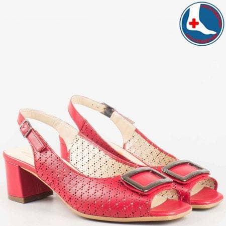 Червени дамски сандали на среден ток с кожена ортопедична стелка- Naturelle от естествена кожа с перфорация z1904chv