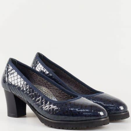 Дамски комфортни обувки с кроко принт изработени от висококачествен естествен лак и кожа с ортопедична стелка в син цвят z632801kls