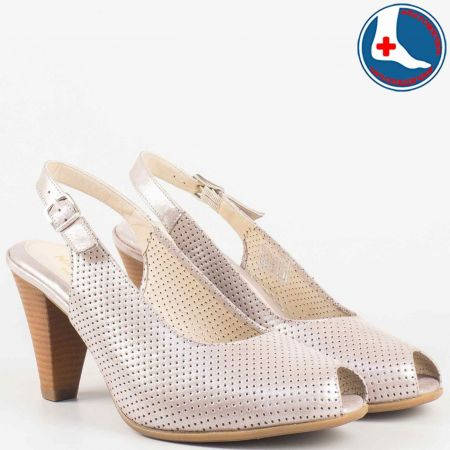 Дамски сандали на удобно ходило изработени от 100% естествена кожа, включително и меката, ортопедична стелка на Naturelle в бежов цвят z68080bj
