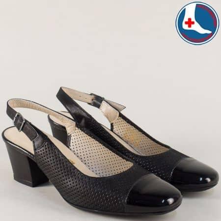 Черни дамски обувки на среден ток от естествен лак и кожа z7610ch