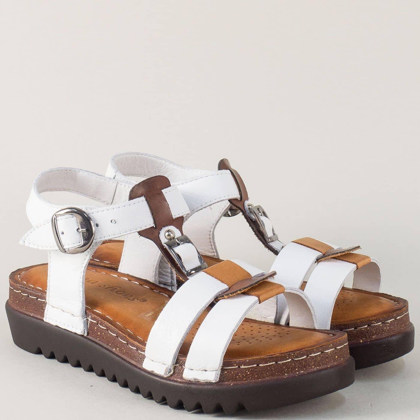 3e6b6cdd177 Кожени дамски сандали на платформа в бяло и кафяво 1154bk - Sisi-bg.com
