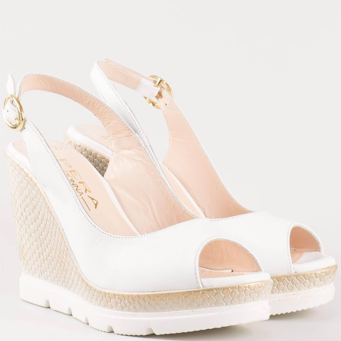 06e5548e2bd Нежно бели дамски сандали на платформа изцяло от естествена кожа 698113b