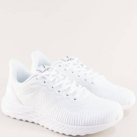 Дамски маратонки в бяло на равно ходило- MAT STAR 006019b