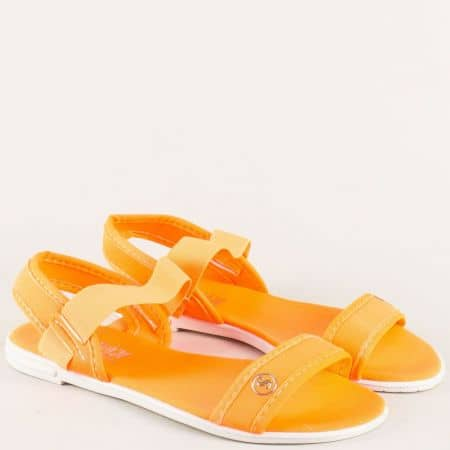Дамски сандали с ластик в оранж на равно ходило 010617o