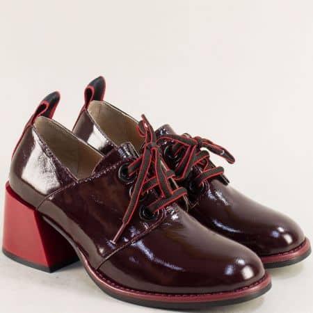 Лачени дамски обувки в цвят бордо на среден ток 010784lbd