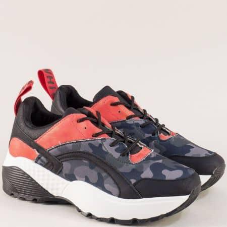 Спортни дамски обувки с връзки в сиво, червено и черно 011-40ch