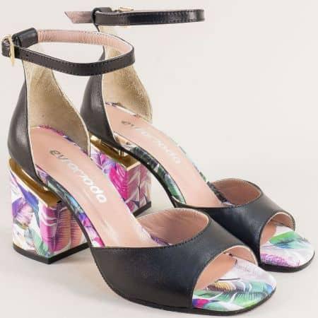 Кожени дамски сандали в черен цвят с частичен флорален принт 013851ch