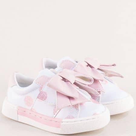 Детски кецове в бяло и розово с лепка и панделка 015427brz