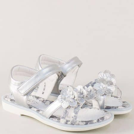 Сребристи детски сандали от естествена кожа с лепка 018139sr
