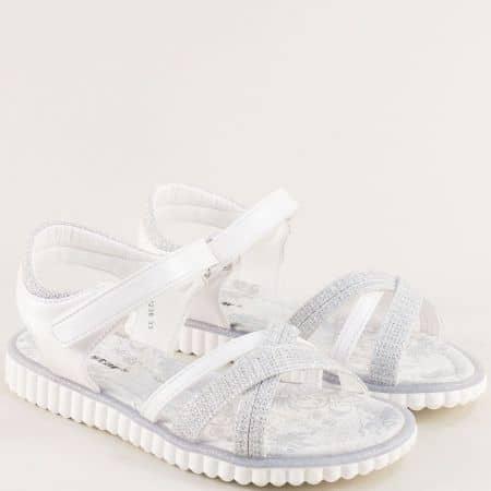 Бели детски сандали със стелка от естествена кожа и велкро лента- MAT STAR 018238b