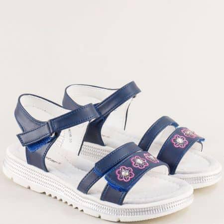 Тъмно сини детски сандали с три лепки и флорална декорация- MAT STAR 018239s