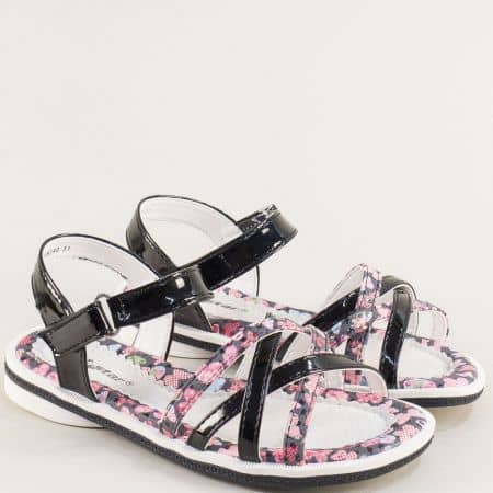 Черни детски сандали с частичен флорален принт- MAT STAR 018240lch