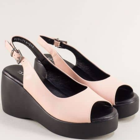 Розови дамски сандали на платформа с кожена стелка 020718rz