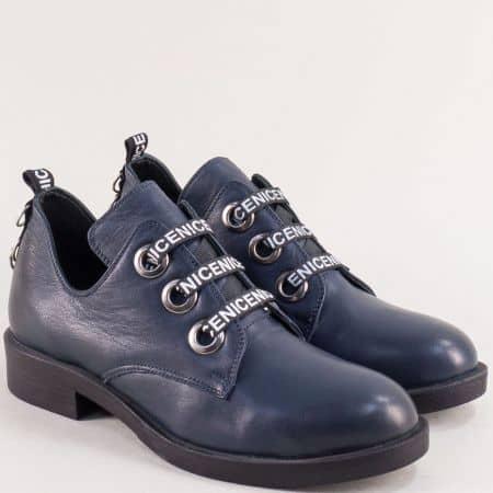 Кожени дамски обувки на нисък ток в тъмно син цвят 023620s