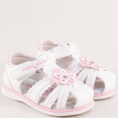 Детски сандали със затворени пръсти и пета в бяло и розово- MAT STAR 026396b