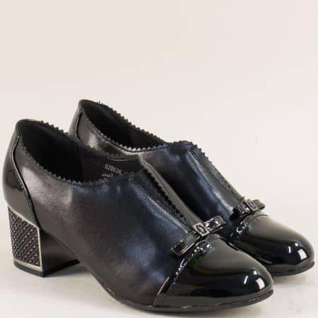 Дамски обувки на среден ток с ластик в черен цвят 028626ch