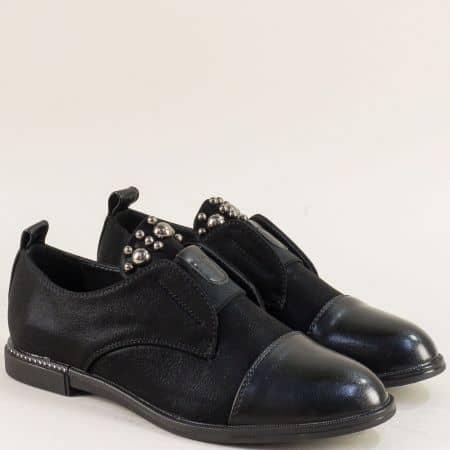 Черни дамски обувки с декорация на равно ходило 028629sch
