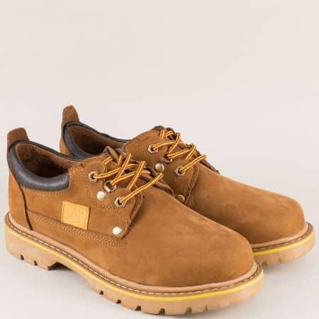 Кафяви мъжки обувки от естествен набук с ввръзки на стабилно ходило 034nk