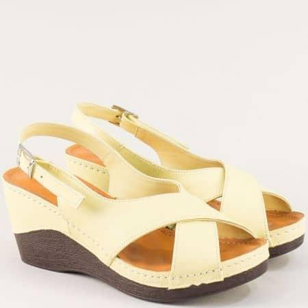 Жълти дамски сандали на платформа от естествена кожа 04j