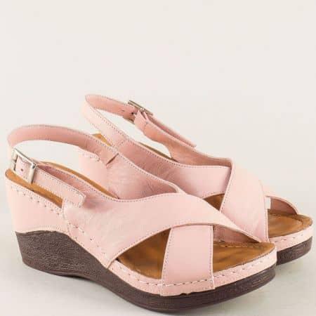 Розови дамски сандали на платформа с кожена стелка 04rz