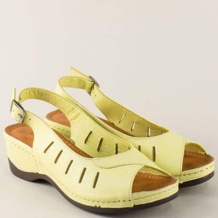 Жълти дамски сандали от естествена кожа с прорези 0502j