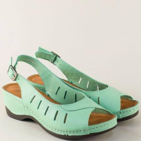Кожени дамски сандали на платформа в светло зелен цвят 0502z