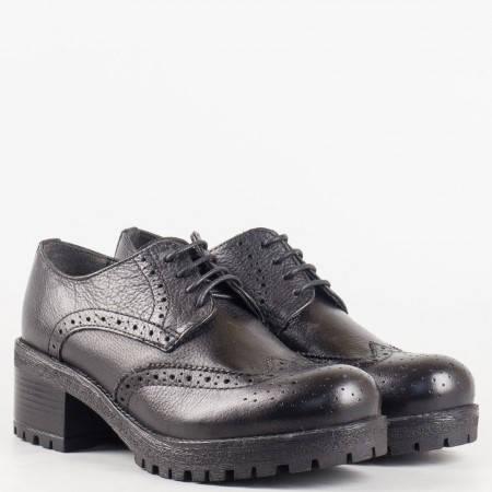 Дамски комфортни обувки със сая от естествена кожа със швейцарска перфорация в черен цвят 051015ch
