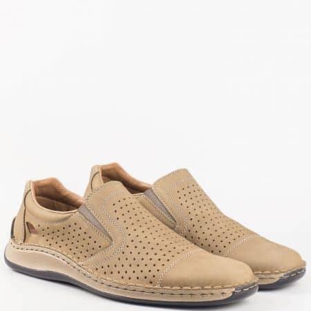 Мъжки ежедневни обувки изработени от естествен набук с естествена кожена стелка на швейцарския производител Rieker в кафяв цвят 05286nk