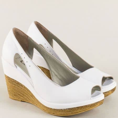 Бели дамски обувки с отворени пръсти и прорези 0573b