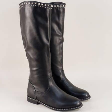 Дамски ботуши на равно ходило в черен цвят 071168ch