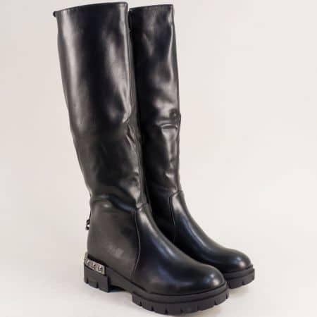 Черни дамски ботуши на нисък ток с декорация 071208ch