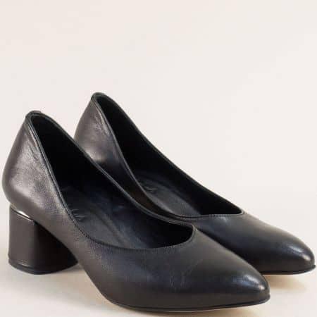 Черна дамска обувка от естествена кожа на ток 0722ch