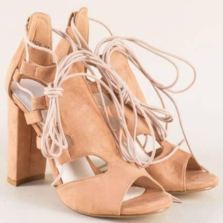 Кафяви дамски сандали на комфортно ходило с висок ток и връзки 0812126vk