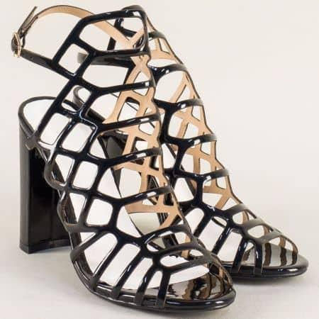 Лачени дамски сандали в черен цвят на висок ток 081250lch