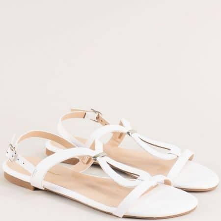 Бели дамски сандали на равно ходило 088057b