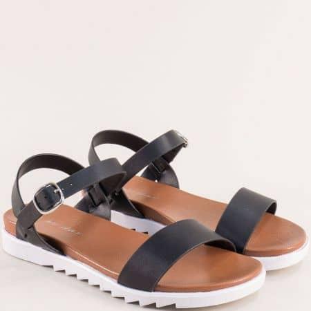 Дамски сандали в черен цвят на равно ходило- MAT STAR 088086ch