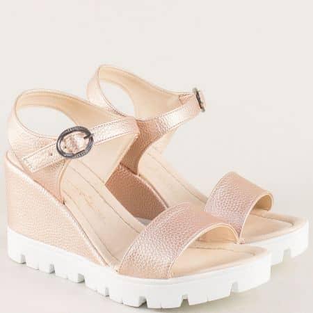 Дамски сандали на платформа в розов цвят 100760rz
