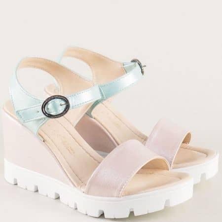 Дамски сандали в зелено и розово на платформа 100760srzz