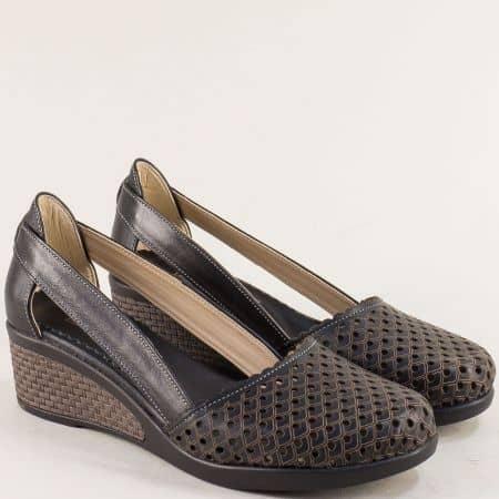 Черни дамски обувки на клин ходило с перфорация 10020450ch