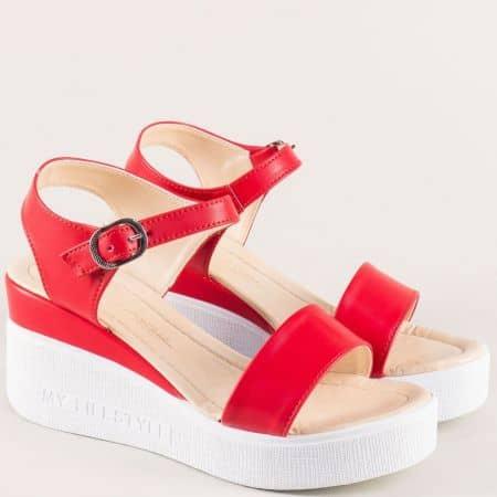 Червени дамски сандали на бяла платформа 100753chv