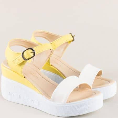 Дамски сандали в бяло и жълто на платформа 100753jb