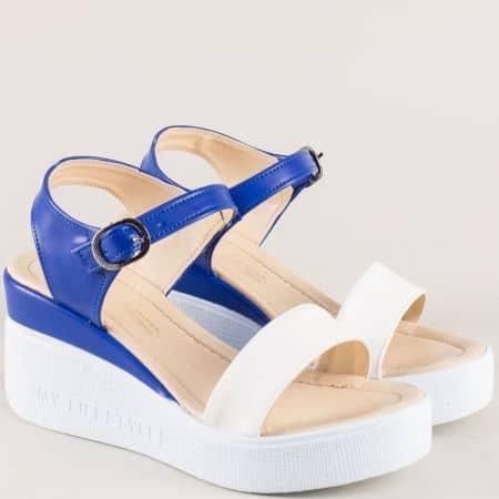 Дамски сандали в бяло и синьо на платформа 100753sb
